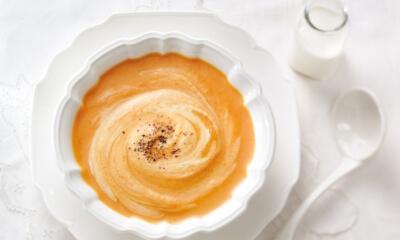 Crème de rutabagas et de carottes à l'érable