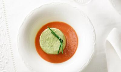 Flan de courgettes au coulis de tomates rosé