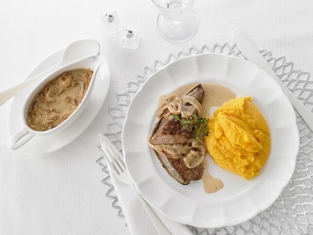 Foie de veau, sauce crémeuse à l'oignon doux