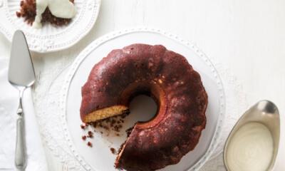 Gâteau à la crème et croustillant à la cannelle