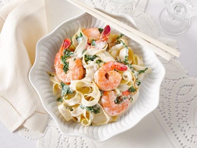 Nouilles de riz aux crevettes, sauce crémeuse au gingembre