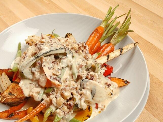 Sauce crémeuse aux noisettes, sur légumes rôtis