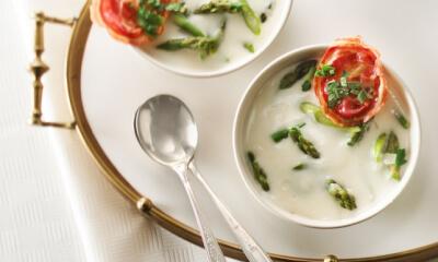 Soupe aux asperges et à la pancetta
