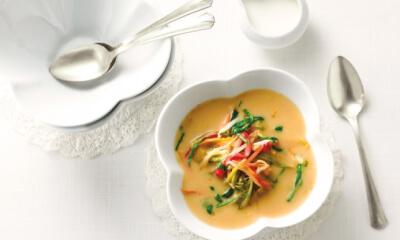 Soupe crémeuse au miso et aux légumes