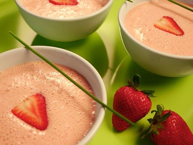 Soupe froide à la crème et aux fraises
