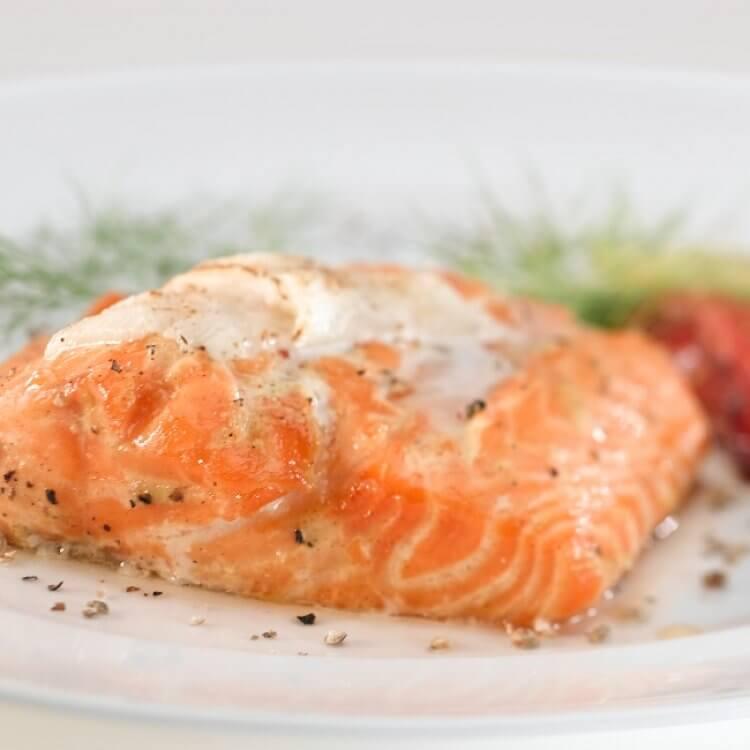 Filet de saumon au fromage Le Cru des Érables et aux dattes