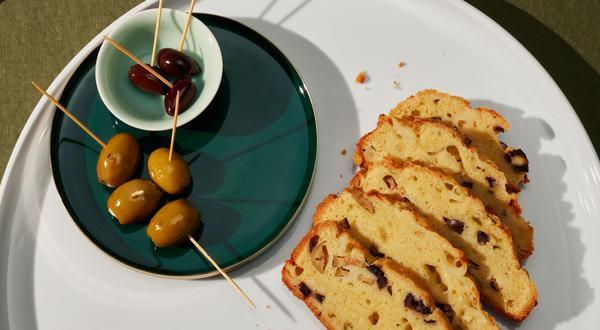 Pain aux olives, au romarin et au fromage