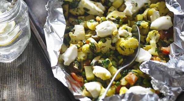 Papillote de légumes au fromage et cari
