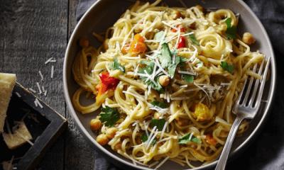 Pâtes aux tomatilles, aux pois chiches et au parmesan d'ici