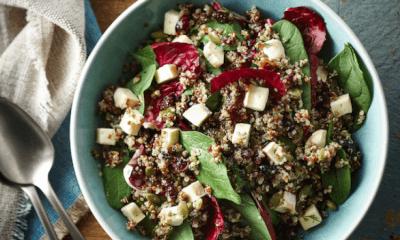 Salade de quinoa aux épinards, graines de citrouille et fromage