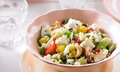 Salade de quinoa, de bocconcinis Saputo et de fruits