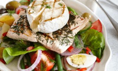 Salade niçoise au saumon grillé et Le Pont Tournant fondant