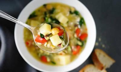 Soupe-repas aux pois chiches et riz basmati