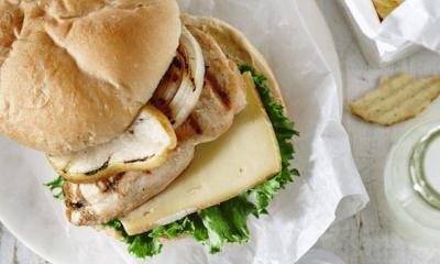 Burger froid de poulet aux poires