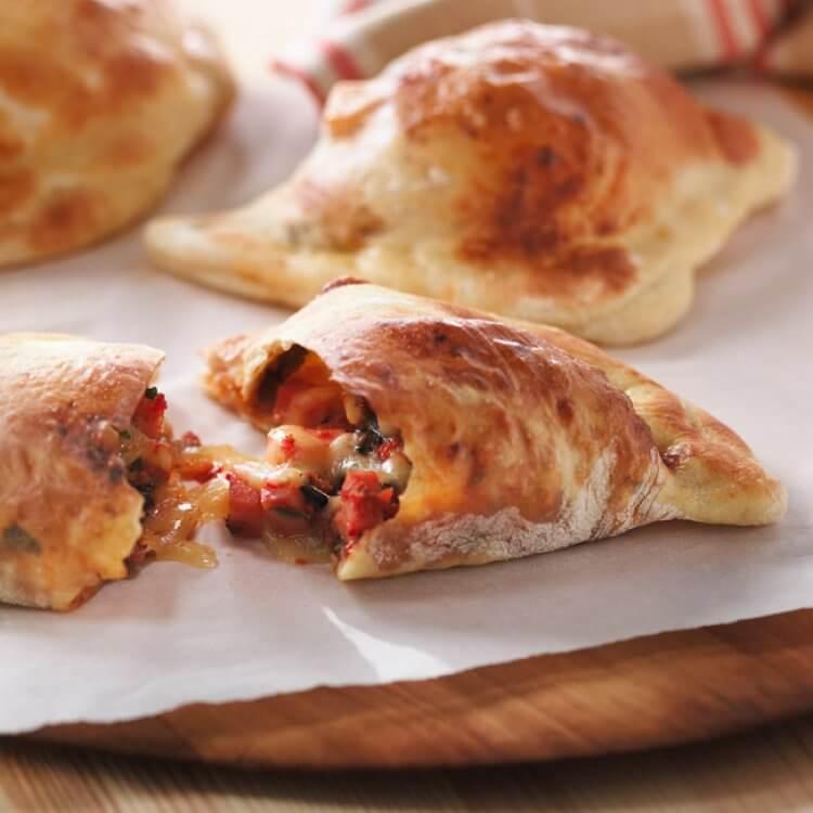 Calzones aux tomates séchées, au jambon et au Fontina Prestigio