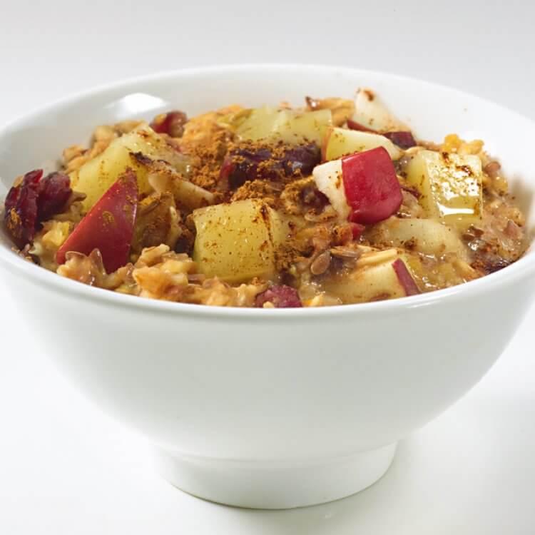 Céréales chaudes muesli aux fruits, aux amandes et au Windigo