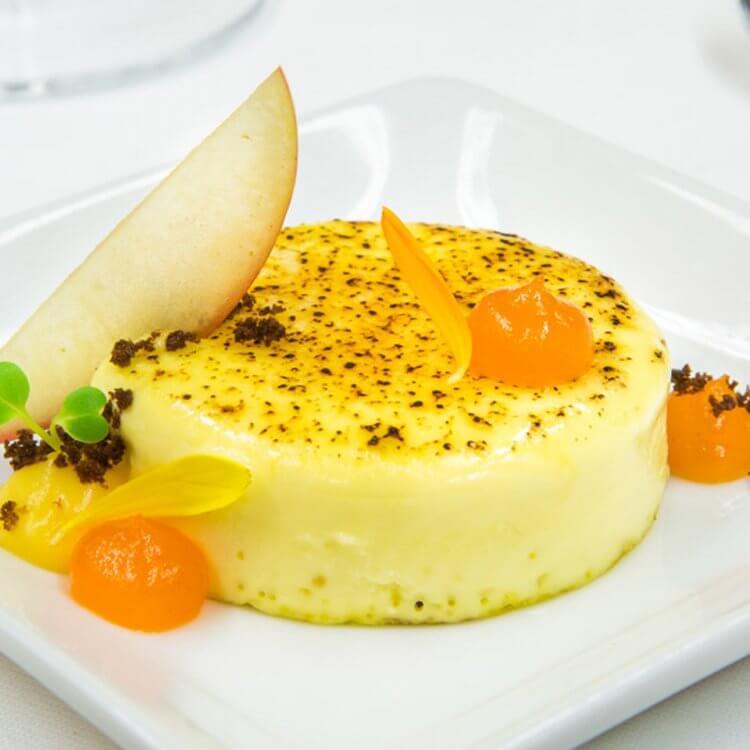 Crème brûlée au fromage Le Maria Chapdelaine, gelée à l'argousier
