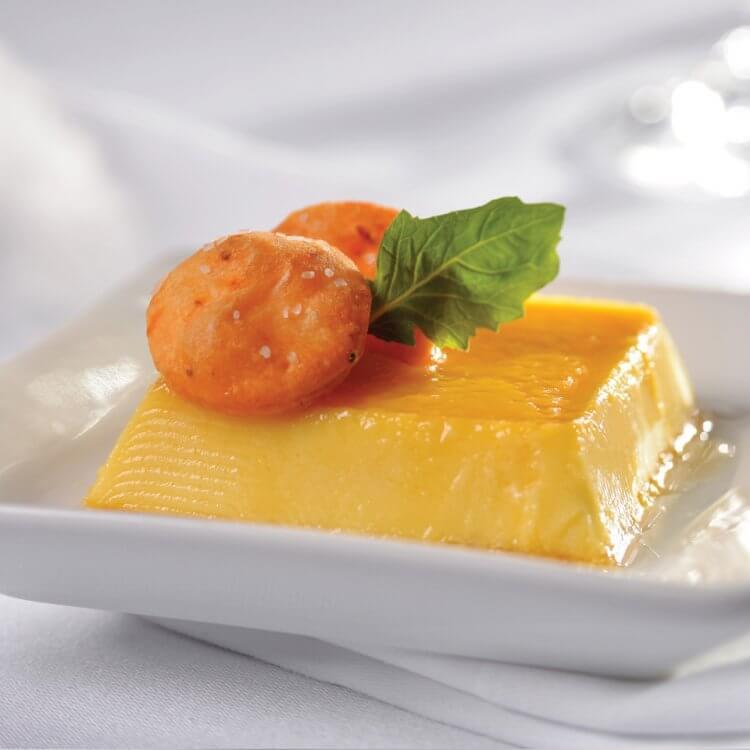 Crème caramel au fromage Magie de Madawaska et au whisky, craquelins à la fleur de sel
