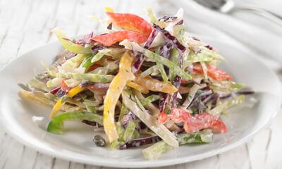Salade de chou et sa vinaigrette crémeuse