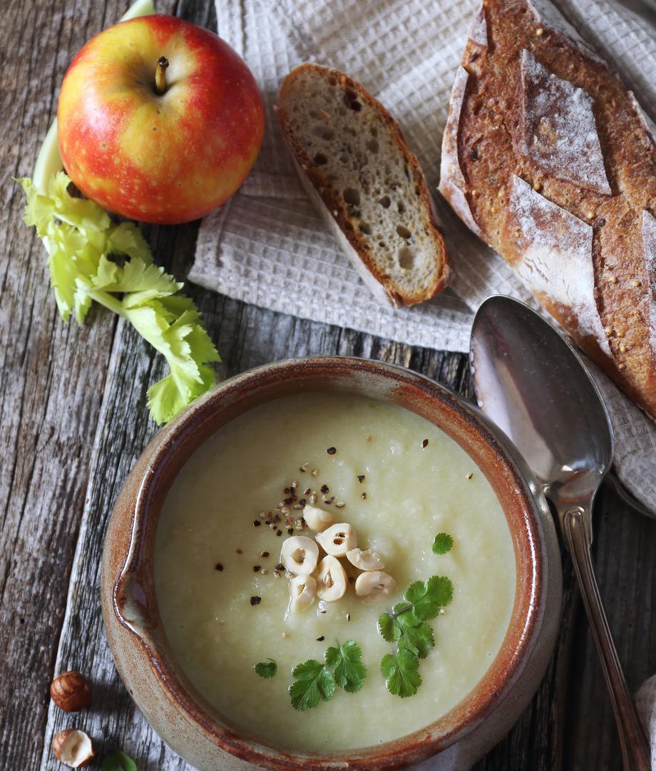 Crème de céleri et de pommes