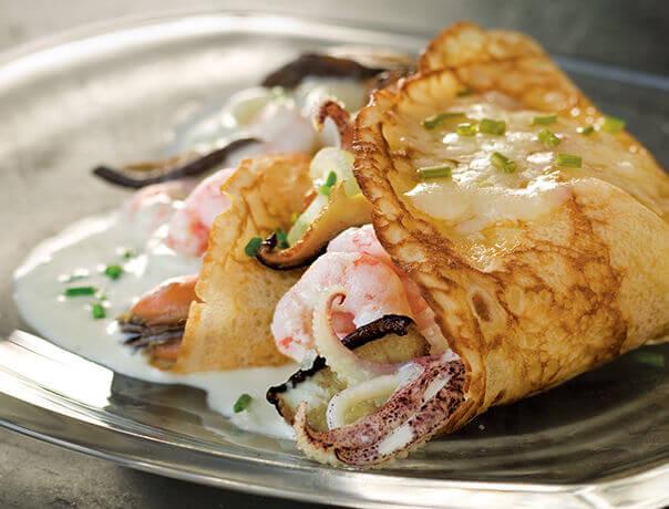 Crêpes aux fruits de mer et au fromage Le Cru du Clocher