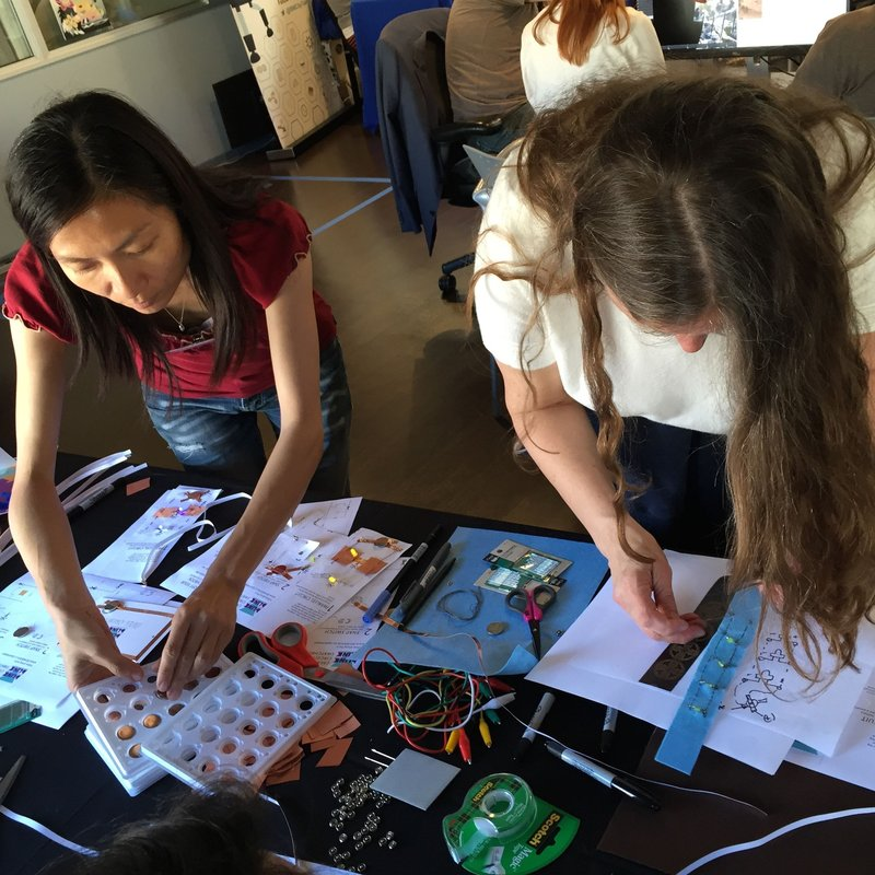Space Apps 2016 Data Bootcamp: Working on BlinkBlink circuit kits