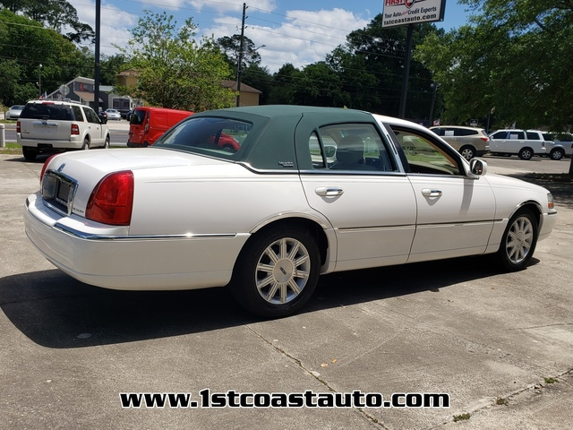 used 2008 Lincoln Town Car car
