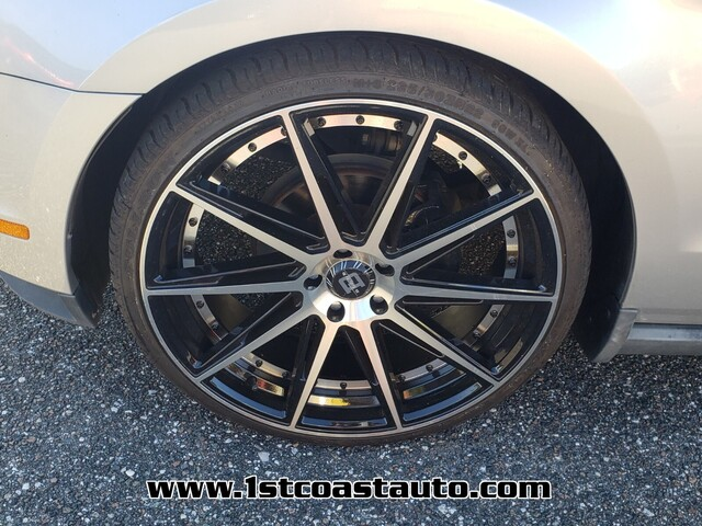 used 2010 Ford Mustang car