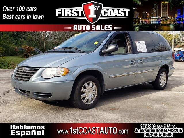used 2005 Chrysler Town & Country car