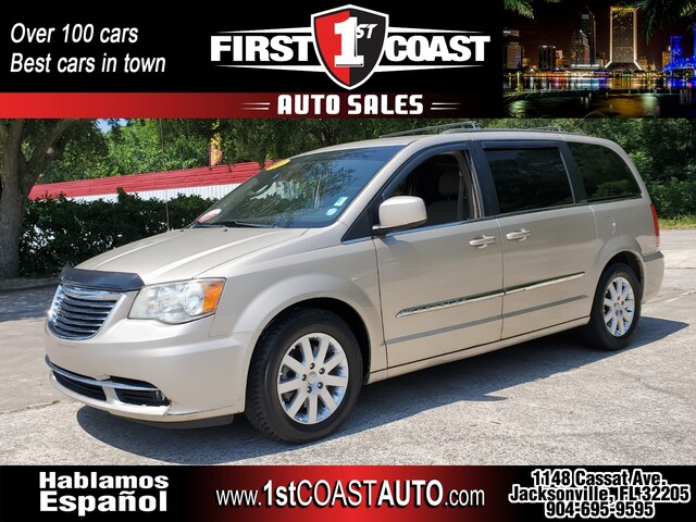 used 2013 Chrysler Town & Country car