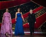 Maya Rudolph, Tina Fey, and Amy Poehler at the Oscars