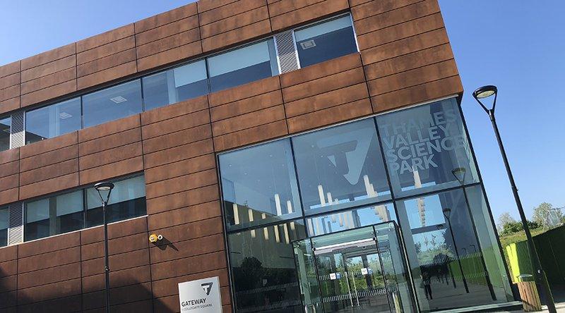 Gateway Glass Entrance Sgl Col