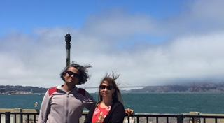 Tryng to take a photo with the Golden Gate bridge