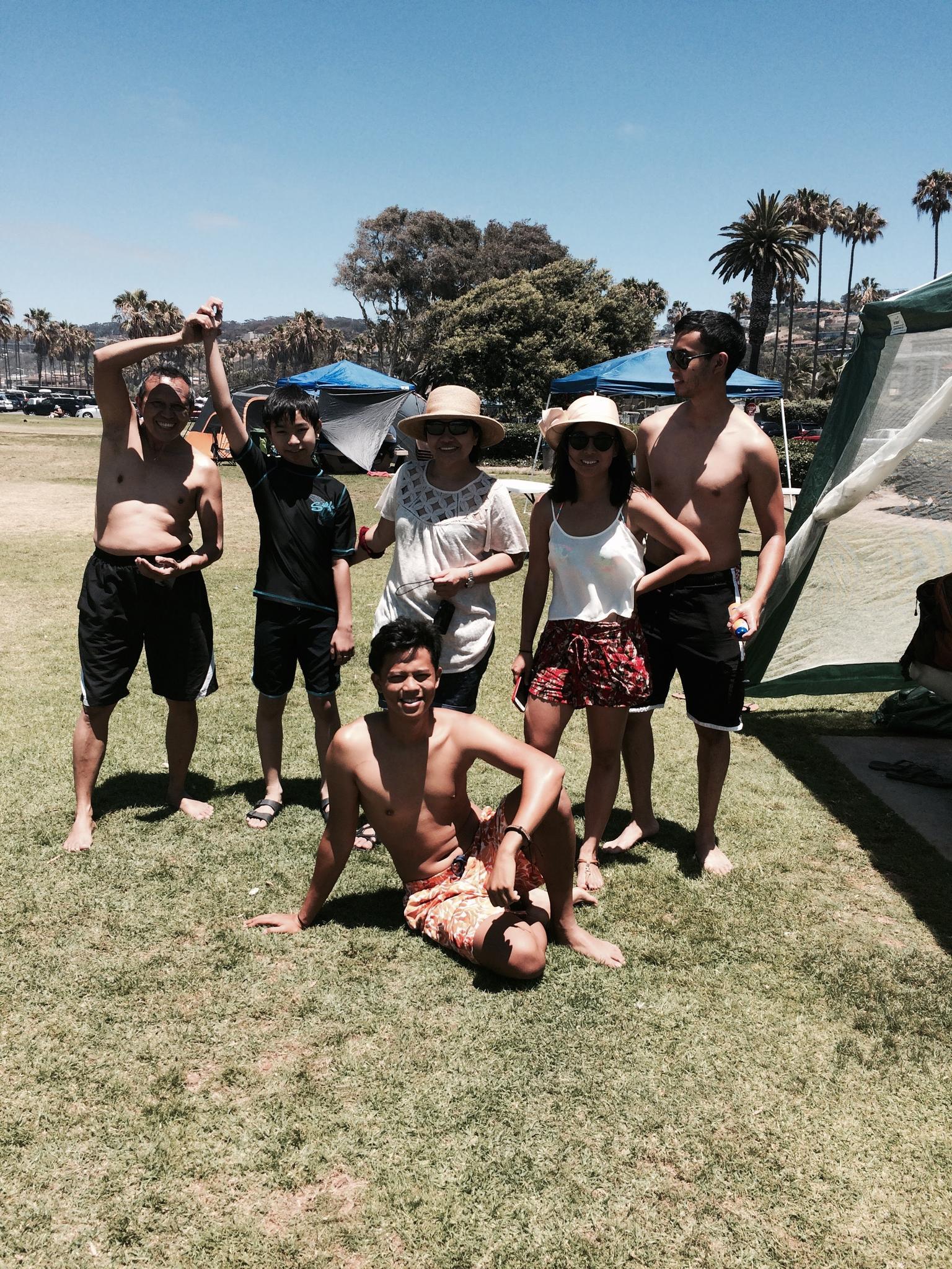 Beach BBQ with Papa Dan, Tita Ron, and Manot, July 2016