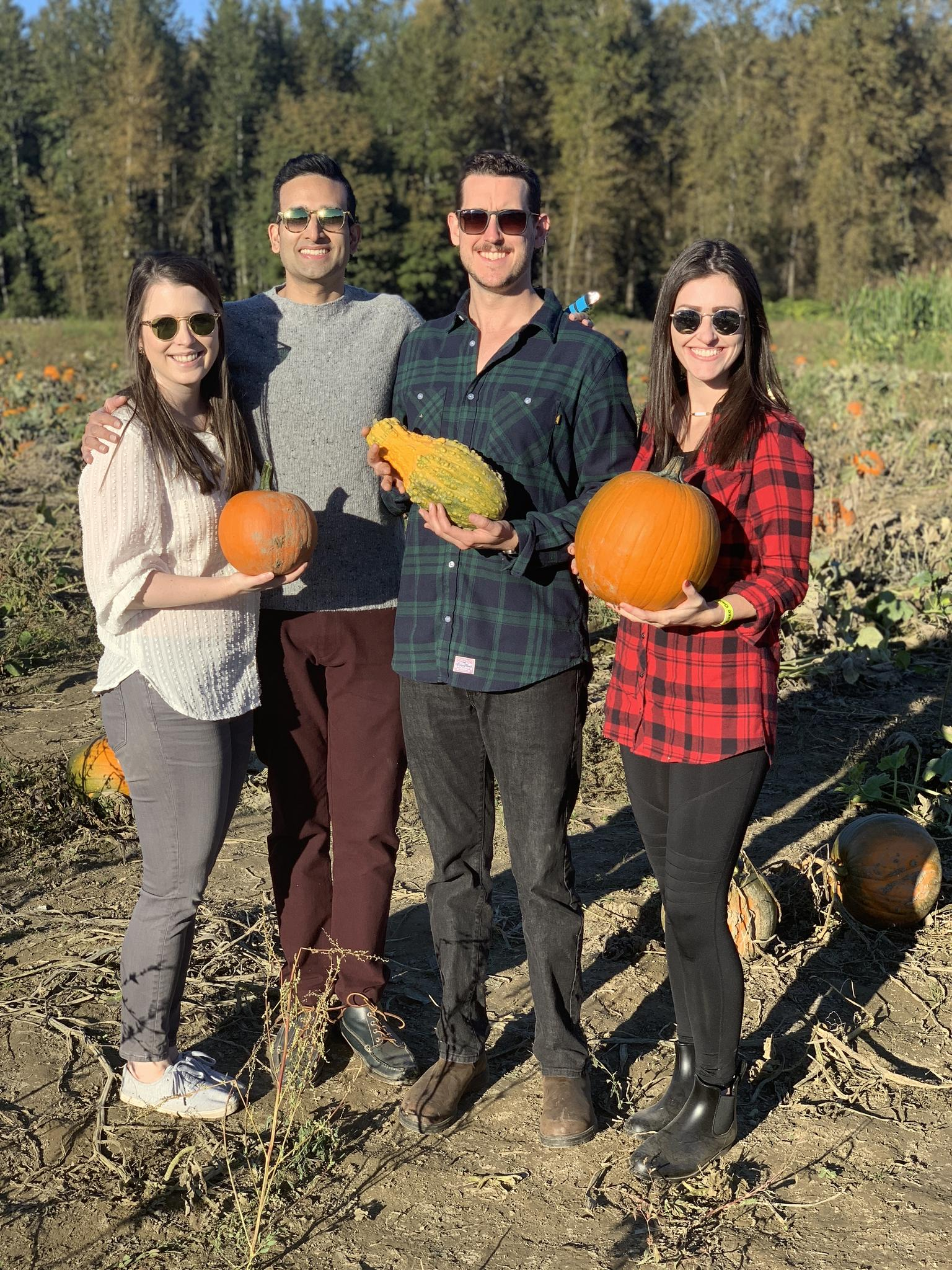 Our friends Jessica and Wilson moved up to Seattle just in time for a pumpkin patch adventure!