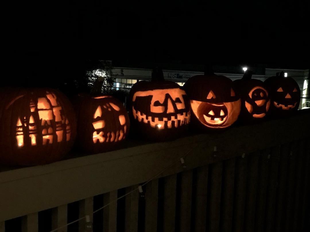 2018 — Halloween pumpkin carving at Missy and Brendan's