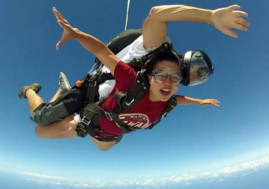Hawaii — Skydiving!