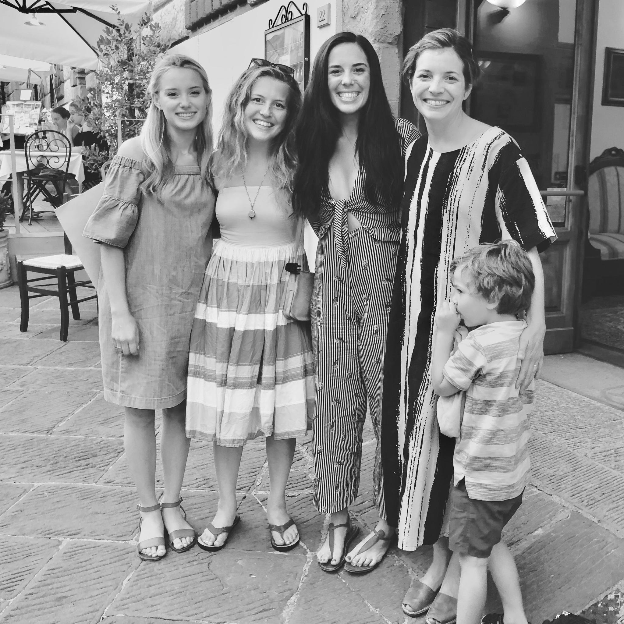 Taylor with her sisters Miranda (MOH), Allie (bridesmaid) and Emily, and her nephew, Felix (ring bearer).